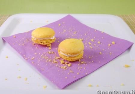 Macarons al caramello e banana