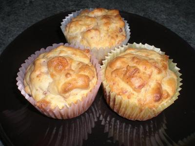 Muffin salati al prosciutto e provola
