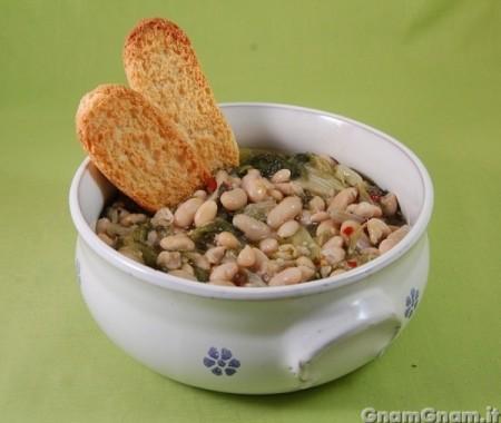 Zuppa di scarole e fagioli