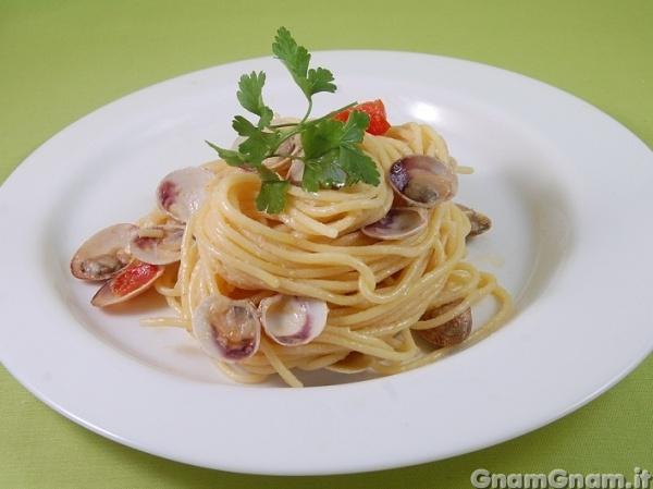 Spaghetti con i lupini la ricetta di gnam gnam for Spaghetti ricette