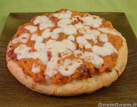 Pizza zucca e salsicce