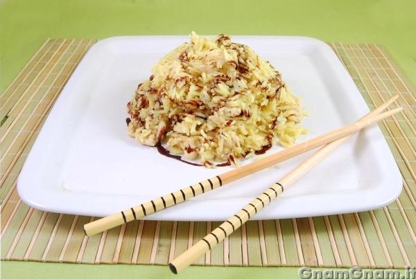 Riso al pollo e curry la ricetta di gnam gnam for Ricette cinesi riso