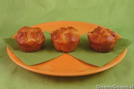 Muffin salati salame e formaggio