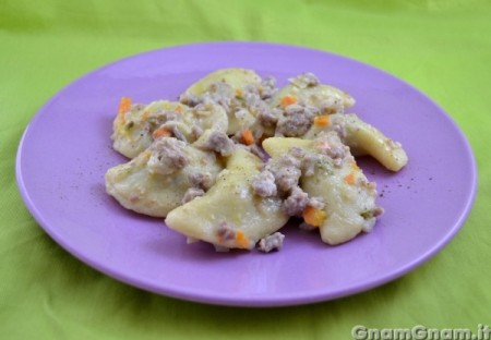 Gnocchi di patate ripieni di friarielli