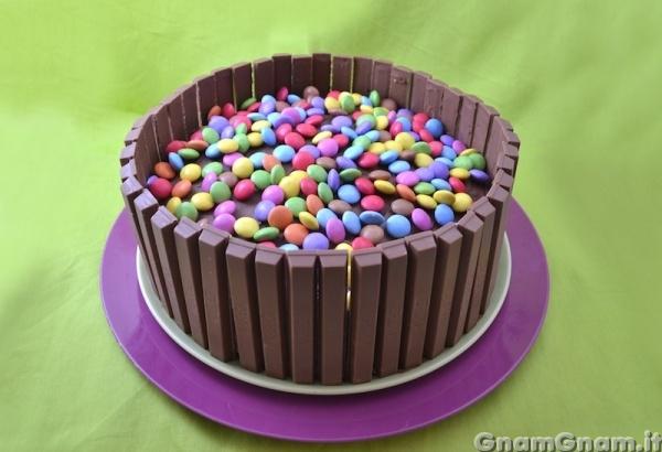 Ricetta torta con kinder bueno intorno