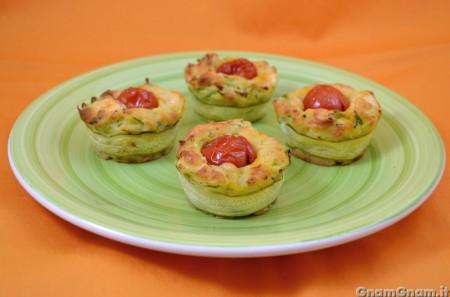 Muffin salati alle zucchine