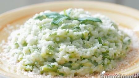 Risotto alle zucchine - Video ricetta