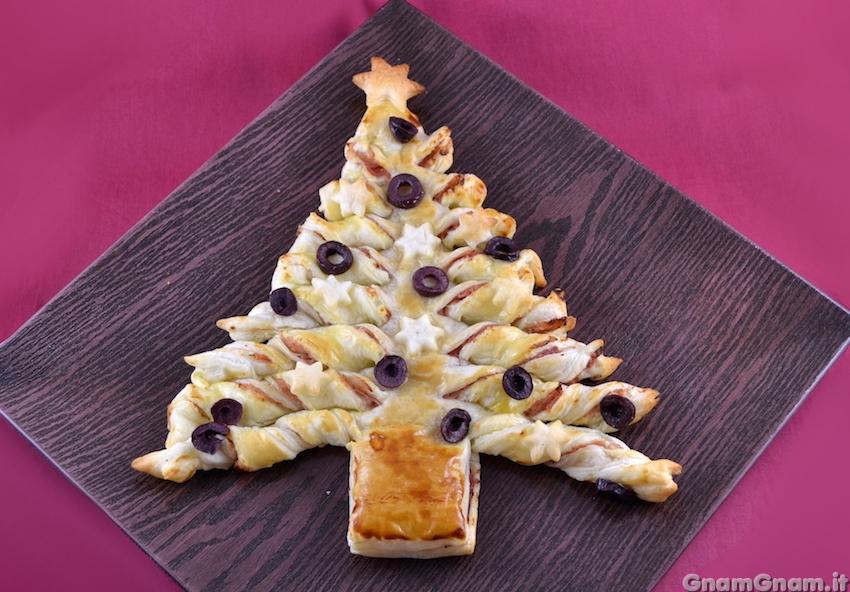 Albero di Natale di pasta sfoglia