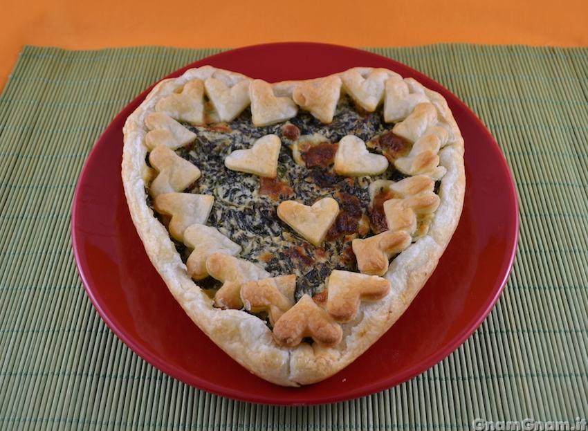 Preferenza Torta salata a forma di cuore - La ricetta di Gnam Gnam HU48