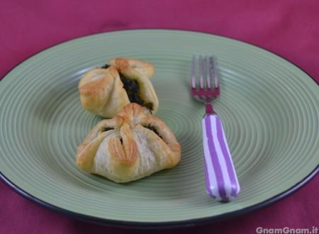 Fagottini di sfoglia con friarielli e salame