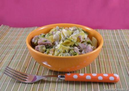Pasta con tonno zucchine e mandorle