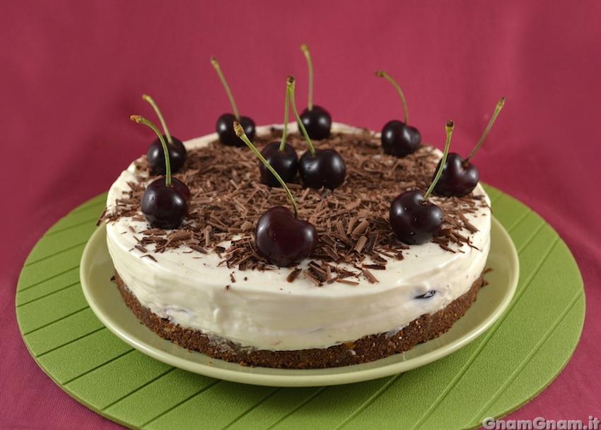 Cheesecake foresta nera la ricetta di gnam gnam - Bagno per torte senza liquore ...