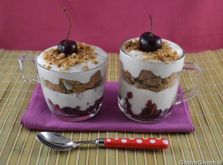 Dessert in tazza allo yogurt