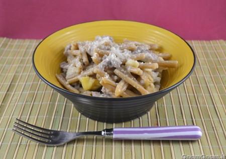 Pasta con salsicce e castagne