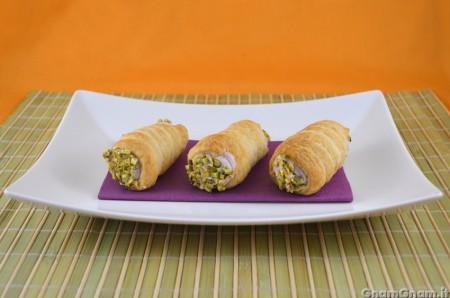 Cannoli mortadella e pistacchio