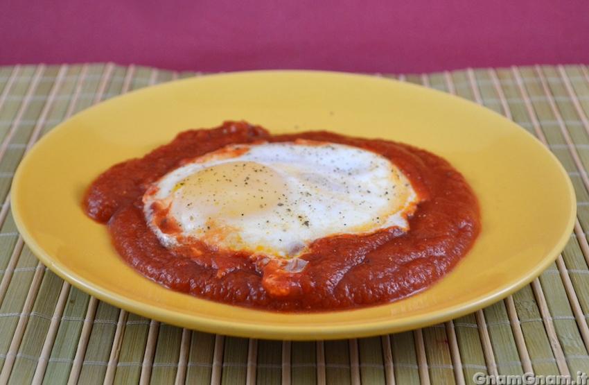 Uova in purgatorio la ricetta di gnam gnam for Uova di pesce rosso