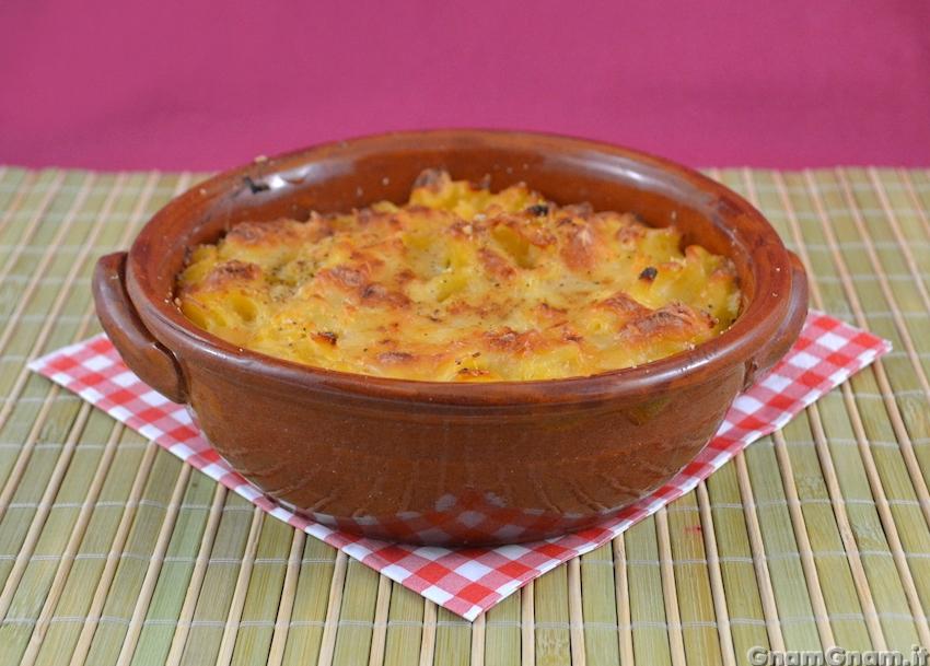 Cuocete in forno preriscaldato ventilato a 200° per 10,15 minuti. Ed ecco  la mia bella pasta e patate al forno con la provola. ^_^
