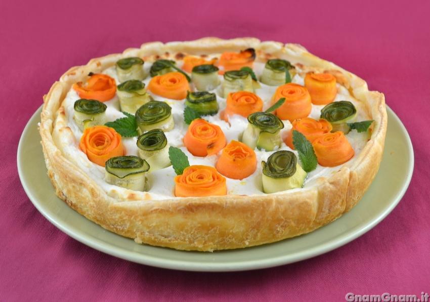 Torta salata con rose di verdure la ricetta di gnam gnam for Torte salate con pasta sfoglia