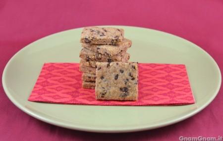 Biscotti vegani nocciole e cioccolato