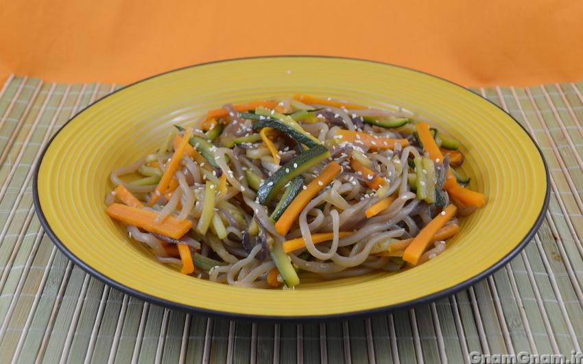Spaghetti di konjac alle verdure la ricetta di gnam gnam for Spaghetti ricette