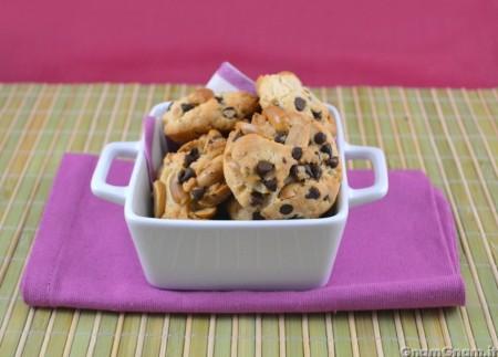 Cookies al cioccolato e arachidi