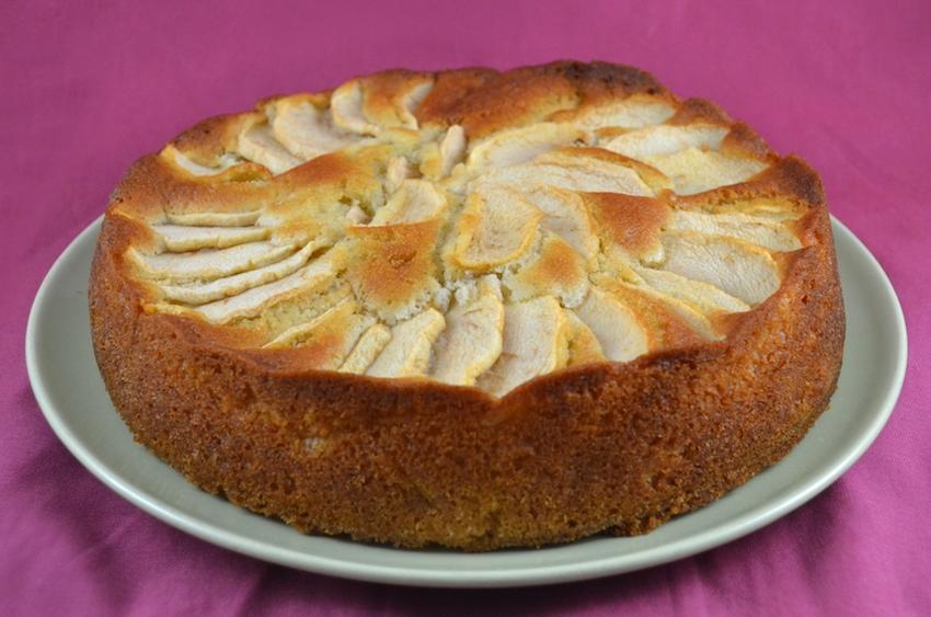 Torta di mele della nonna la ricetta di gnam gnam - Bagno per torte senza liquore ...