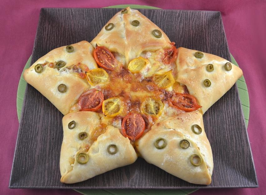 Pane A Forma Di Stella Di Natale.Pizza A Stella La Ricetta Di Gnam Gnam