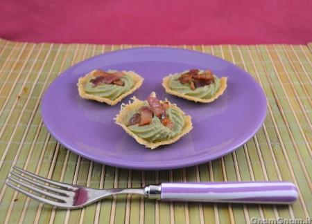 Cialdine di pecorino con fave e pancetta