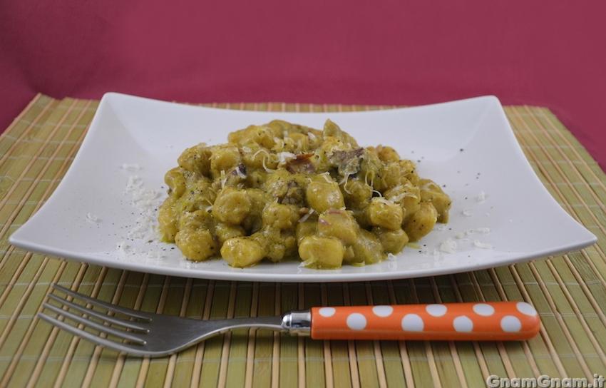 Gnocchi speck e pistacchio