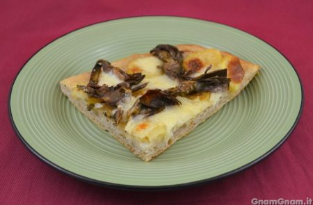 Pizza con patate e carciofi