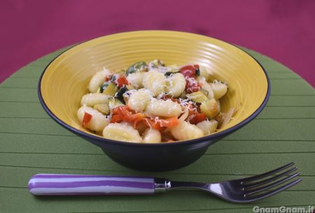 Gnocchi peperoni e zucchine