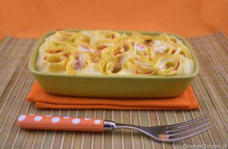 Roselline di lasagne al salmone