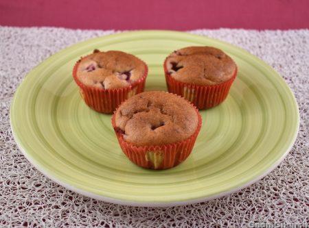 Muffin fragole e banane senza uova