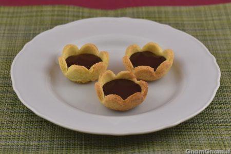 Tartellette caramello salato e cioccolato