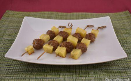 Spiedini di polpette e patate