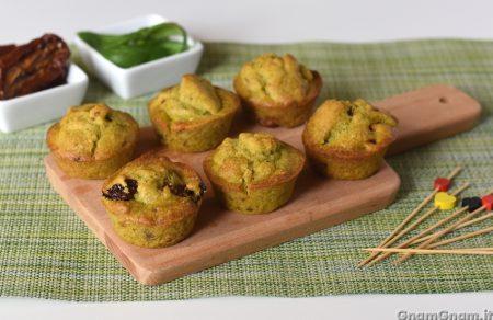 Muffin pesto e pomodori secchi