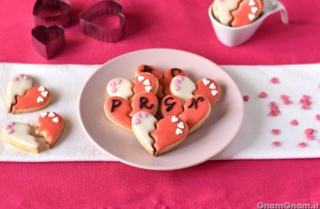 Biscotti puzzle a forma di cuore