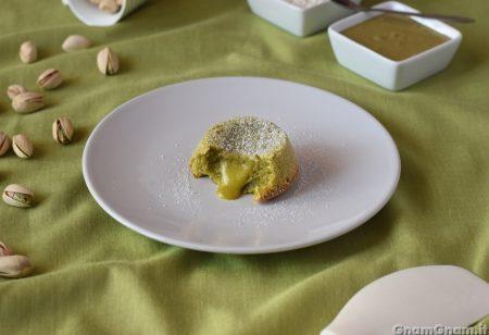 Tortino al pistacchio dal cuore caldo