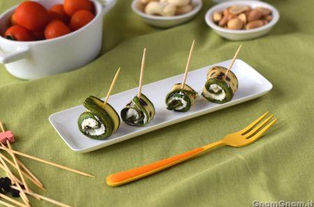 Involtini zucchine e feta
